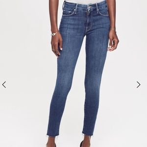 MOTHER Looker Ankle Fray Girl Crush Skinny Jeans